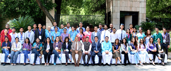 Shri Dnyaneshwar M Mulay, Secretary (CPV & OIA) with the participants of the 41st Know India Programme, during their visit to the FSI (4th & 5th Sep 2017)