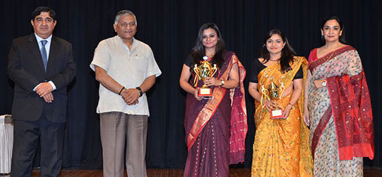 Hon'ble Minister of State, Dean FSI and Vice President, Association of Indian Diplomats with winners of Best Sportswoman Trophy