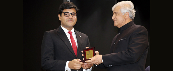Honourable Governor of Uttarakhand Shri K.K.Paul presenting President of India Gold Medal for the Best Officer Trainee for all round performance in 91st CSFC to Mr. Abhimanyu Gahlaut, IFS OT of 2016 batch